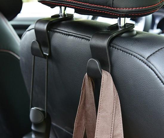 móc treo đồ trên xe ô tô