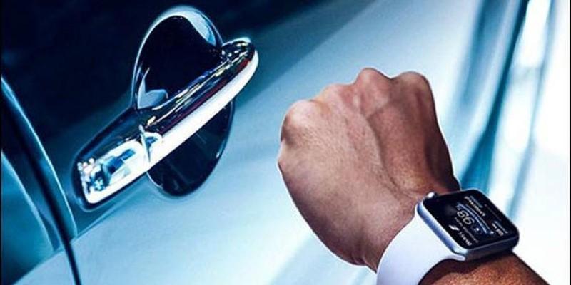 mở khóa ô tô bằng smartwatch