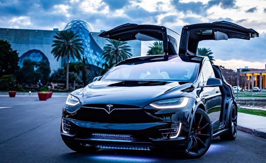 ô tô điện Tesla
