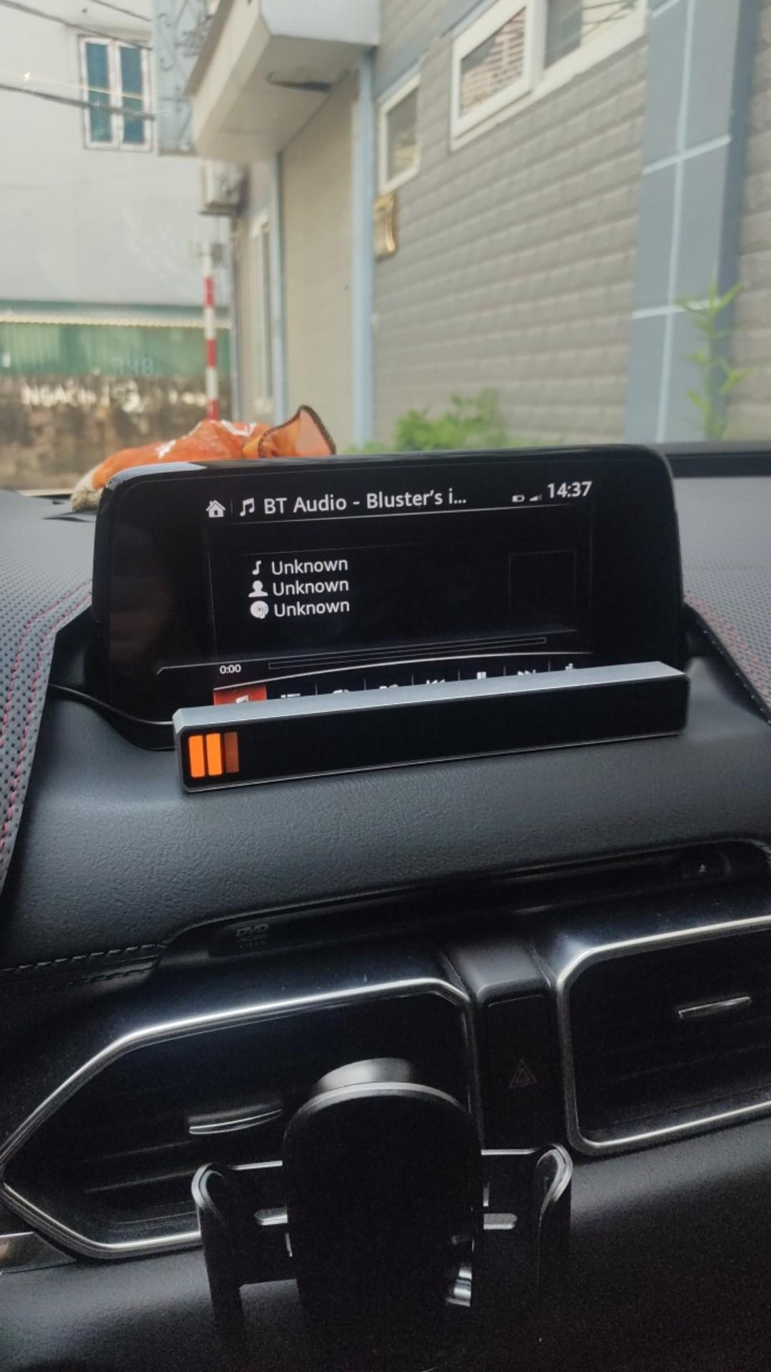 Đèn led cảm ứng theo nhạc ô tô 5